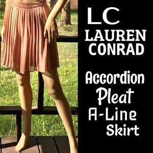 🆕LC▪️LAUREN CONRAD▪️Mauve Accordion Pleat Skirt